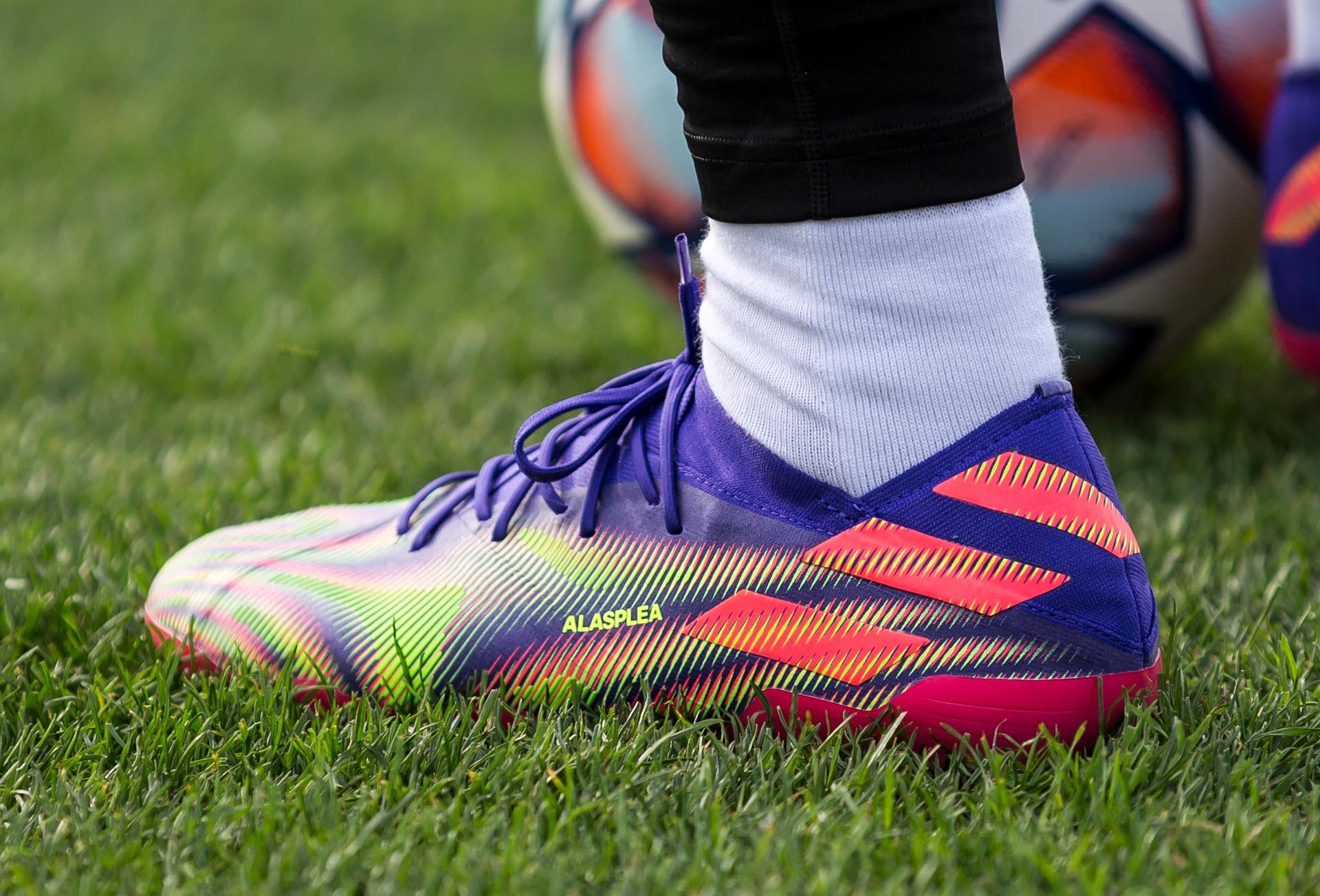 Gam màu cuối cùng của Adidas Nemeziz được ra mắt trong năm nay có thiết kế rất đẹp mắt