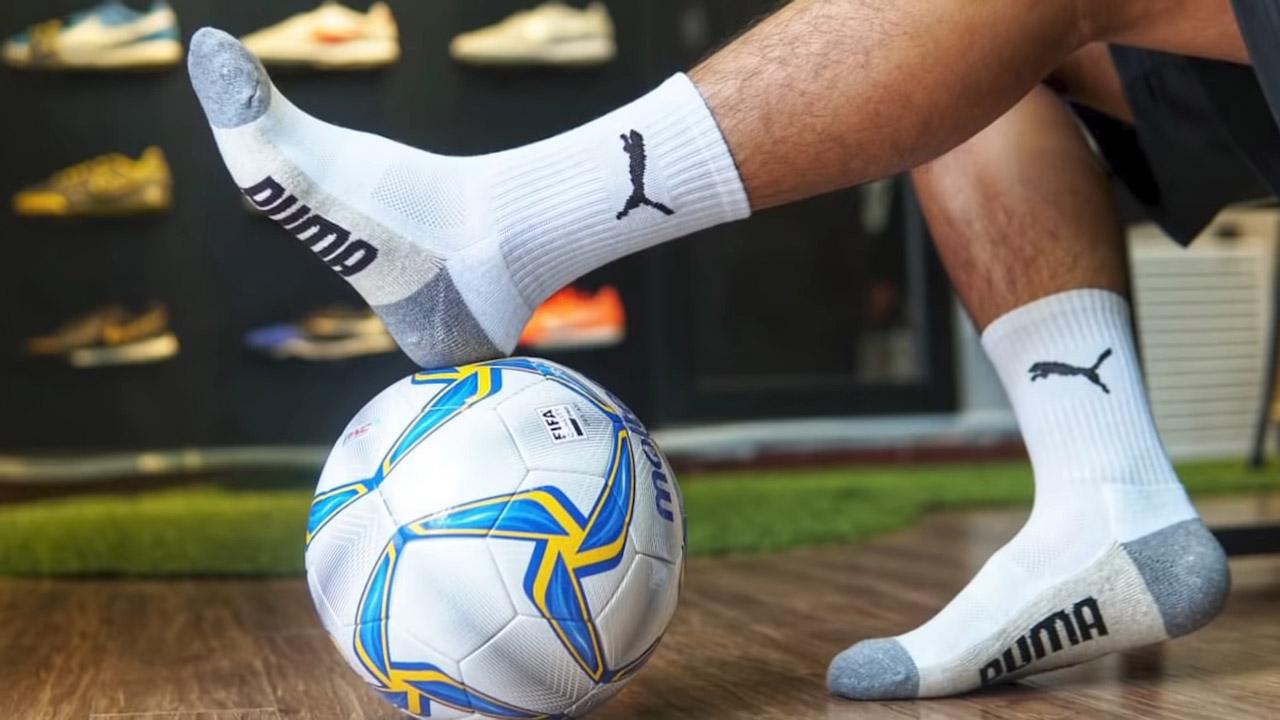 Chọn được một đôi vớ bóng đá phù hợp sẽ giúp bạn thoải mái hơn khi mang giày