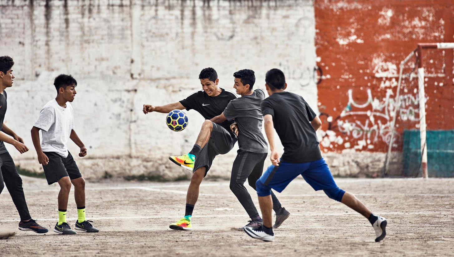 Hướng dẫn bạn cách đá bóng không bị mệt trong cả trận đấu dài