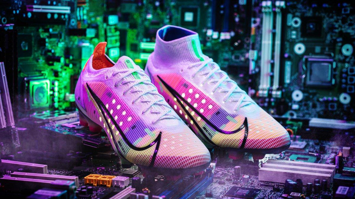 Ra mắt giày đá bóng Nike Mercurial thế hệ mới là Vapor 14 và Superfly 8